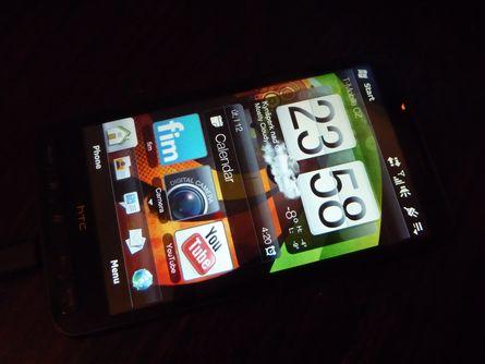 HTC HD2 s prostředím Sense na systému WM 6.5